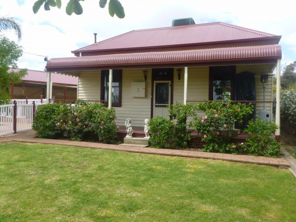 Country Cottages BB - Accommodation Nelson Bay