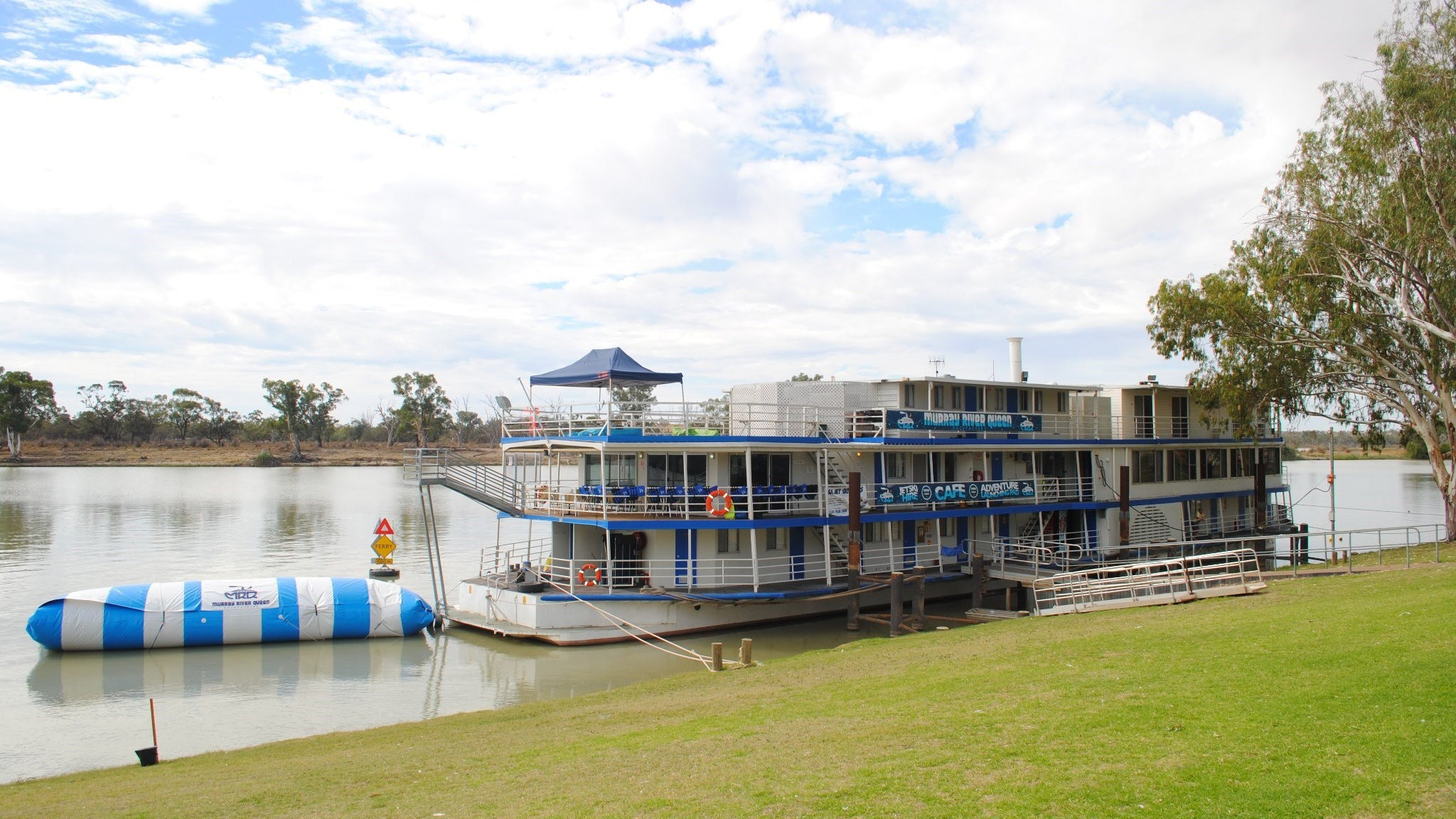 Murray River Queen Backpackers - Accommodation Nelson Bay