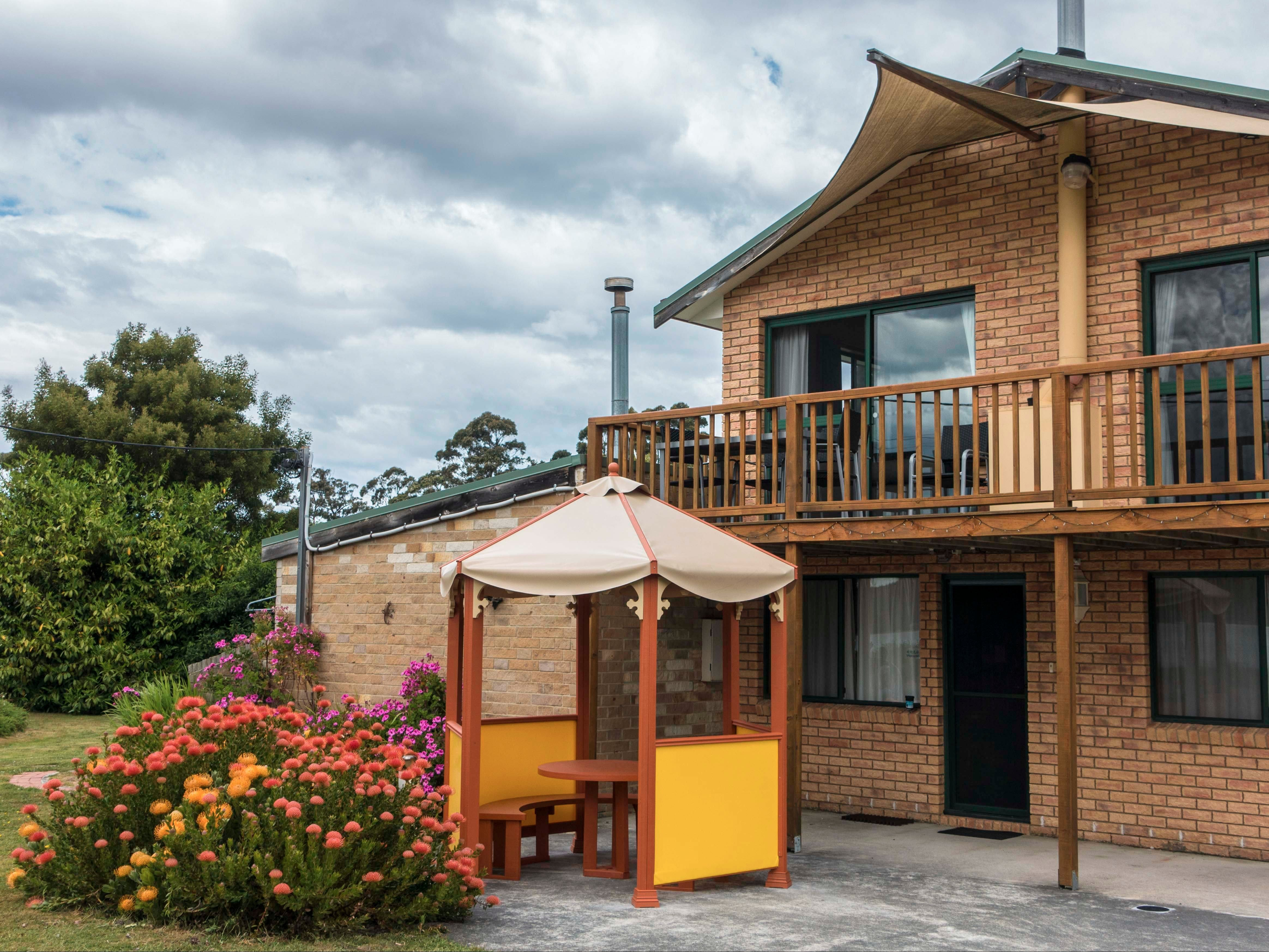 Burilda Waters - Accommodation Nelson Bay