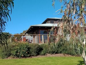 Butler's Bend Holiday Villa - Accommodation Nelson Bay