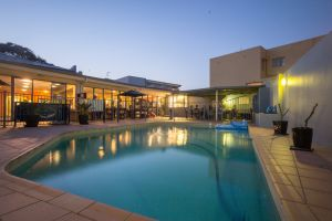 Sydney Beachouse YHA - Collaroy - Accommodation Nelson Bay
