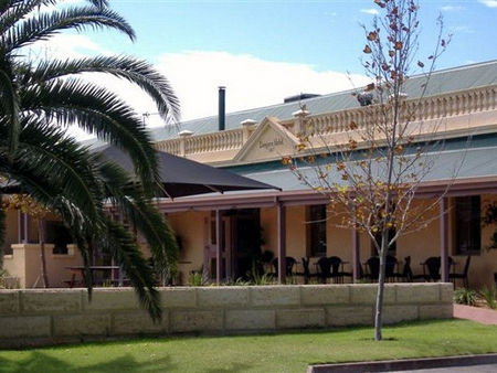 Dongara Hotel Motel - Accommodation Nelson Bay