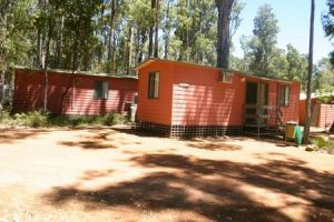 Dwellingup Chalets And Caravan Park - Accommodation Nelson Bay