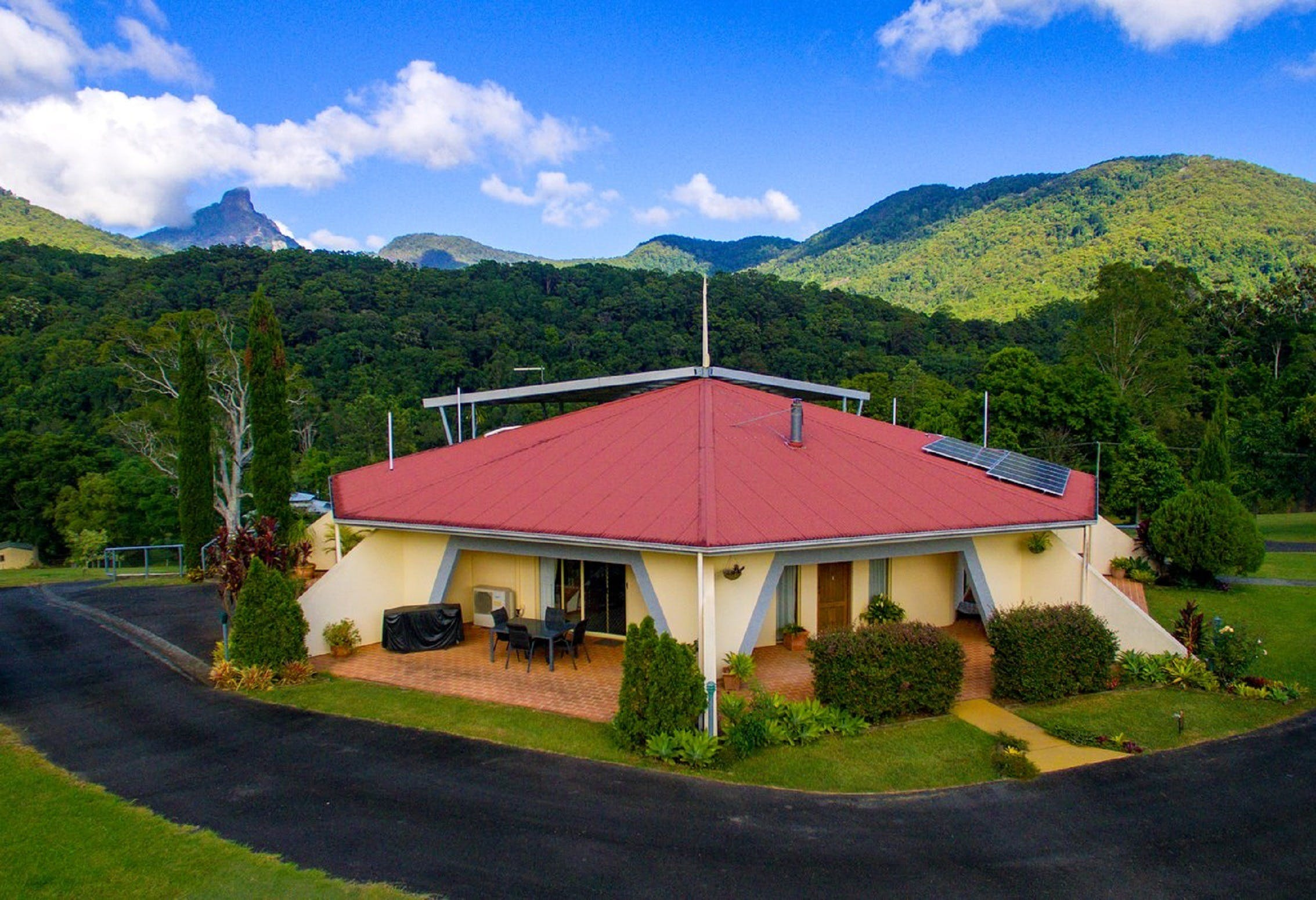 A View of Mount Warning Bed and Breakfast - Accommodation Nelson Bay