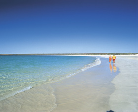 Gnaraloo - Accommodation Nelson Bay