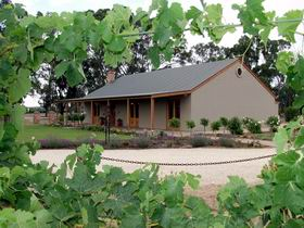 VineCrest Fine Barossa Wine - Accommodation Nelson Bay