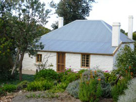 dingley dell cottage - Accommodation Nelson Bay