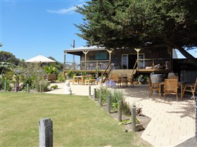 Rustic Blue - Accommodation Nelson Bay