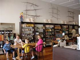 Blond Coffee and Store - Accommodation Nelson Bay