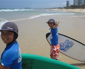 Broadbeach Surf School - Accommodation Nelson Bay