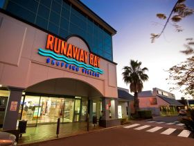 Runaway Bay Shopping Village