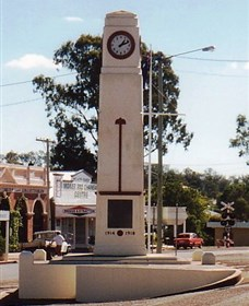 Goomeri War Memorial Clock - Accommodation Nelson Bay