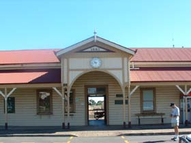 Maryborough Railway Station - Accommodation Nelson Bay
