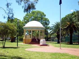 Kingaroy Memorial Park - Accommodation Nelson Bay