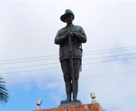 Charters Towers Memorial Cenotaph - Accommodation Nelson Bay