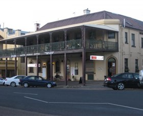 The Family Hotel - Accommodation Nelson Bay