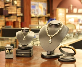 Inverell Jewellers - Accommodation Nelson Bay