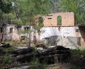 Newnes Shale Oil Ruins - Accommodation Nelson Bay
