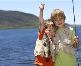 Fishing on Keswick Island - Accommodation Nelson Bay