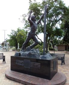 Miners Memorial Statue - Accommodation Nelson Bay