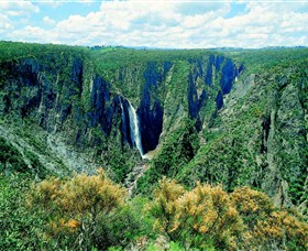 Wollomombi Falls - Accommodation Nelson Bay