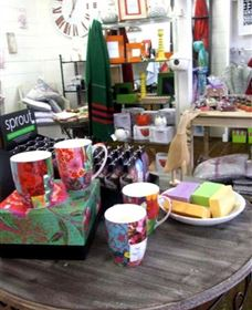 The Famous Tinonee Cafe and Gift Shop - Accommodation Nelson Bay