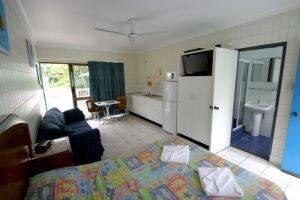 Tropical Palms Inn - Accommodation Nelson Bay
