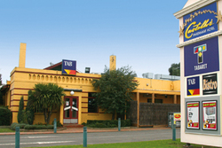 Castello's at Pakenham - Accommodation Nelson Bay