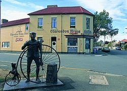 Clarendon Arms Hotel - Accommodation Nelson Bay