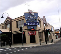 Grand Junction Hotel - Accommodation Nelson Bay