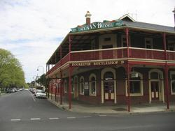 Ryans Hotel - Accommodation Nelson Bay