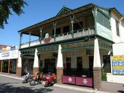 Shamrock Hotel Alexandra - Accommodation Nelson Bay