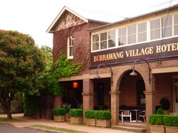 Burrawang Village Hotel - Accommodation Nelson Bay