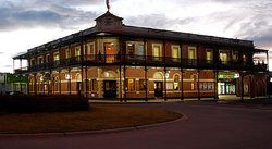 The Grand Terminus Hotel - Accommodation Nelson Bay