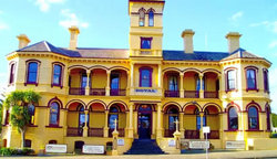The Queenscliff Historic Royal Hotel - Accommodation Nelson Bay