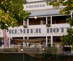 Premier Hotel - Accommodation Nelson Bay