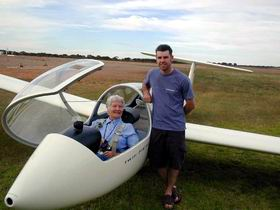 Waikerie Gliding Club - Accommodation Nelson Bay