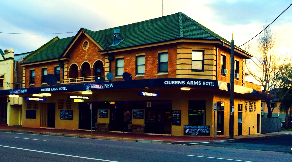 Queens Arms Hotel - Accommodation Nelson Bay