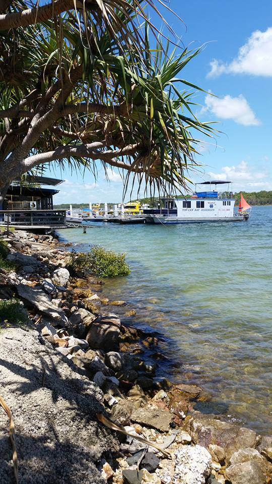 Tin Can Bay Yacht Club Bistro - Accommodation Nelson Bay