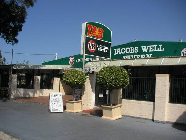 Jacobs Well Bayside Tavern - Accommodation Nelson Bay
