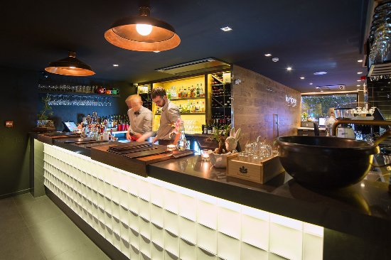 The Oakroom Kitchen and Bar - Accommodation Nelson Bay