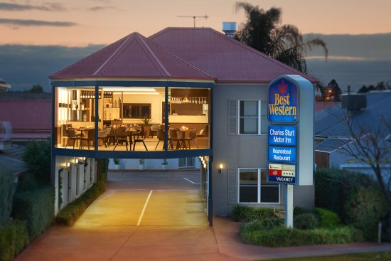 The Roundabout Restaurant - Accommodation Nelson Bay