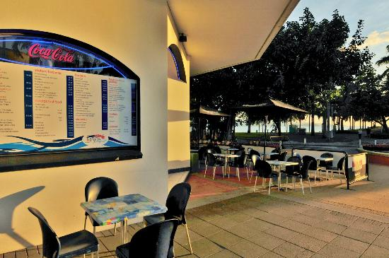 Harolds Seafood on The Strand - Accommodation Nelson Bay