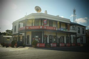 Commercial Hotel Morgan - Accommodation Nelson Bay