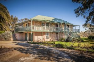 Lindsay House Homestead - Accommodation Nelson Bay