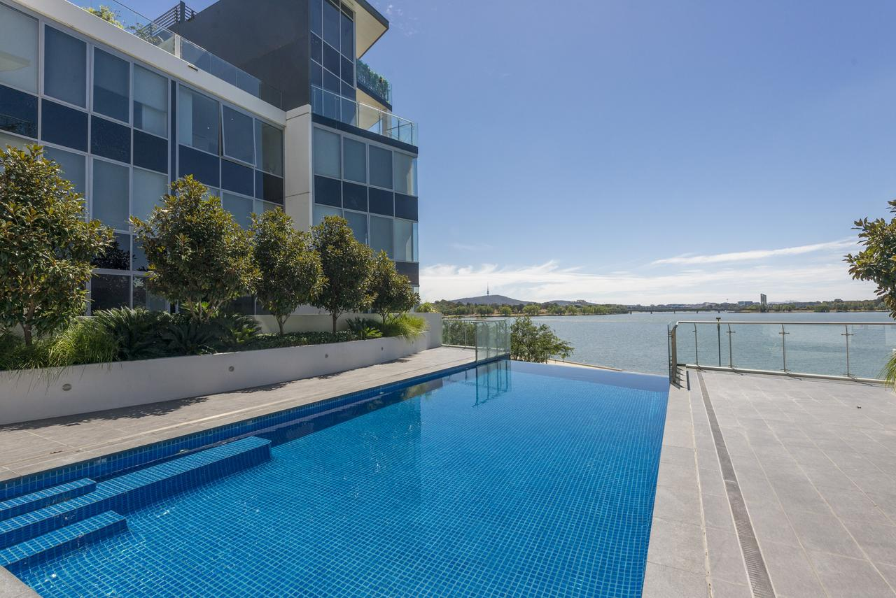 Accommodate Canberra - Lakefront - Accommodation Nelson Bay