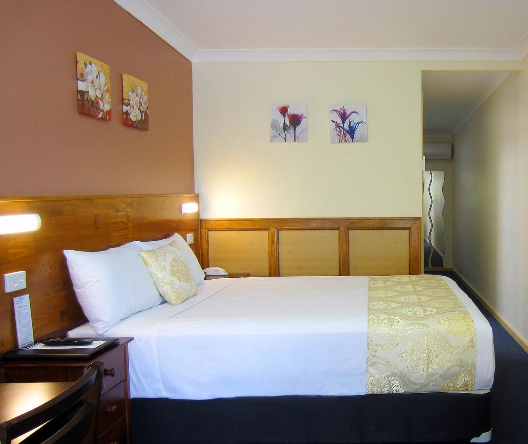 Highway Motor Inn Taree - Accommodation Nelson Bay