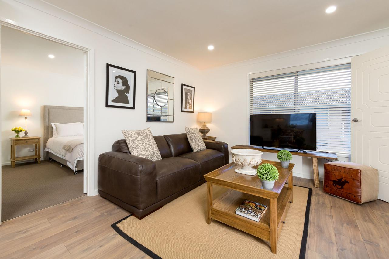 Sleeping in Style - Central  Sophisticated - Accommodation Nelson Bay