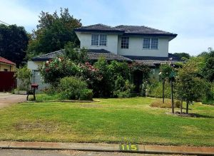 Airport HomeStay - Accommodation Nelson Bay