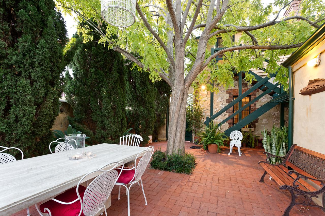 Annie's Victorian Terrace Accommodation Fremantle - Accommodation Nelson Bay
